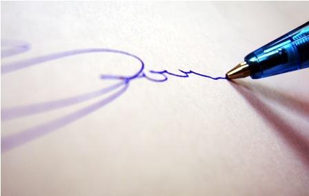 Firma manuscrita sobre el papel